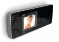 CULT videofoon op de muur.