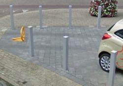 Parkeerbeugel in gesloten toestand.